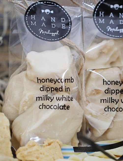 804025 - honeycomb dipped in milky white choco